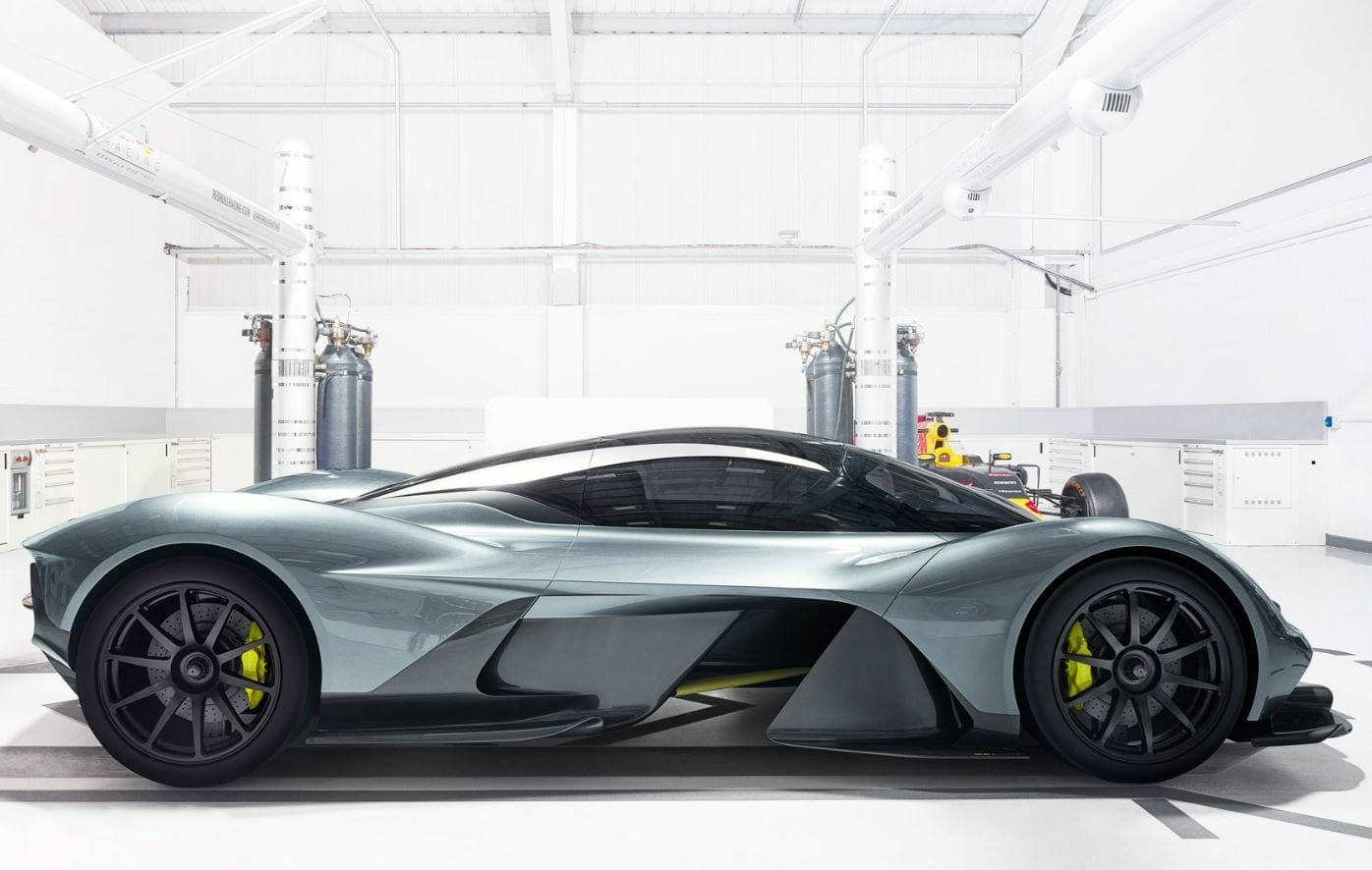 New Supercar - Aston Martin and Red Bull Collaborate on Incredible Hypercar, The AM-RB 001