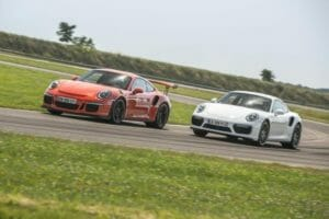 1-porsche-911-gt3-rs-vs-turbo-s-2016-8