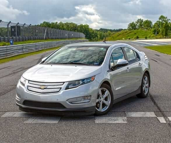josh1 web - Average Car Reviews - Chevy Volt